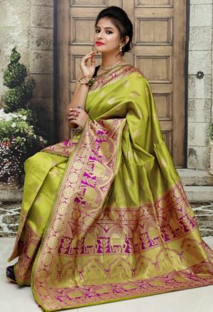 Green color Soft & Pure Banarasi silk saree With Rich Weaving Pallu